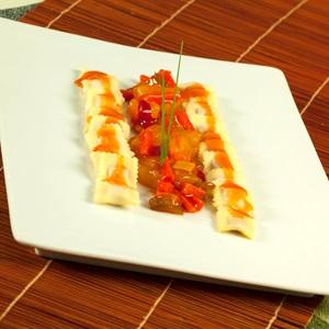 Ravioli με πολύχρωμες πιπεριές, γλυκό κολοκύθι και σαμπούκα